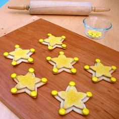 woody sheriff badge cookies