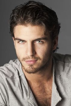 Maxi Iglesias Spanish Actor I Will Melt If He Looks At Me Like With Those