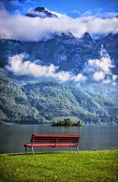 Der Walensee / Lake Walen, Switzerland