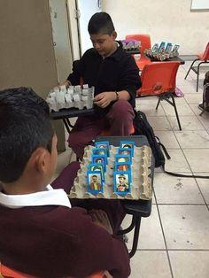 """Maestro pone a jugar a sus alumnos """"¿Adivina Quién?"""", pero con diversos personajes de la historia de México. - Info Noticias"""