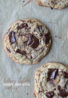 Bakery Style Chocolate Chunk Toffee Cookies. Perfectly crispy at the edge, soft in the center with little bits of sea salt to balance out the creamy chocolate!