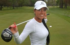 Natalia Ghilzon Canadian professional - Top 20 Hottest Female Golf Players In 2015 - theSportBuzz