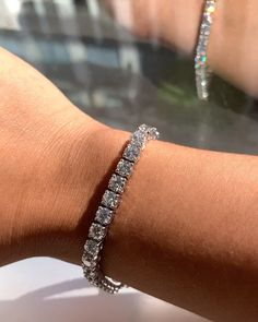 Diamond Bracelet Tennis Bracelet Let me sparkle your day with Tennis bracelet points Cute Jewelry, Bling Jewelry, Jewelry Bracelets, Jewelry Accessories, Women Jewelry, Fashion Jewelry, Jewelry Hanger, Cartier Jewelry, Jewelry Stand