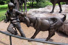#goatvet likes this statue in Texas