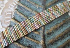 Multi couleur bracelet cuir perlé - lignes floues / automne - couleur neutre frange pompon friendship bracelet automne boho en sourdine par slashKnots par slashKnots sur Etsy https://www.etsy.com/fr/listing/479871111/multi-couleur-bracelet-cuir-perle-lignes