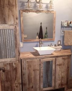 Check out this #rustic bathroom decor idea with reclaimed wood furniture. Love it! #BathroomDesign #HomeDecorIdeas @istandarddesign