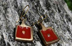Coloured Square Earring – Noor Design   Noor Design in Köln verkauft einzigartige handgefertige Produkte - Taschen aus hochwertig verarbeitetem Leder, Schmuck, Accessoires und Lampen aus Messing und versilbertem Messing - die in Kairo angefertigt werden. www.noor-design.me