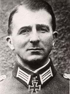 ✠ Günther Angern (5 March 1893 – 2 February 1943) Committed suicide before the surrender of German forces at Stalingrad. RK 05.08.1940 Oberst Kdr 11. Schtz-Brig