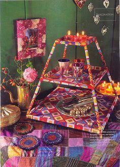 Un meuble pyramidal recouvert de papier // a pyramidal piece of furniture decorated with colored paper Bohemian Cafe, Bohemian Living, Bohemian Soul, Gypsy Decor, Bohemian Decor, Boho Chic, Gypsy Style, Hippie Style, Boho Style