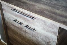 """kobo-rise.com 香川県高松市にある工務店、建築工房ライズです。 """"NOT STANDARD"""" 暮らしの数だけ家がある。世界に唯一の最高の家づくりを。 #建築工房ライズ #RISEarchitectstudio #四国工務店 #香川工務店 #高松工務店 #オーダーハウス #こだわりの家 #新築 #注文住宅 #木の家 #リビング #ダイニング #キッチン #システムキッチン #キッチンファニチャー #ファニチャー #カップボード #リビングダイニングキッチン #LDK #リビングダイニング #LD #ダイニングキッチン #DK #ナチュラルな家 #かっこいい家 #外観 #住宅デザイン #外観デザイン #変形地"""