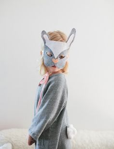 http://www.kidsomania.com/last-minute-diy-bunny-costume-for-halloween/