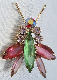 WONDERFUL Green Pink Clear RHINESTONE BUG Vintage Estate BROOCH PIN Goldtone
