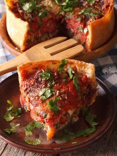 gruyère, poivre, blanc de poulet, purée, oignon, huile d'olive, ail, pâte brisée, sel, poivron