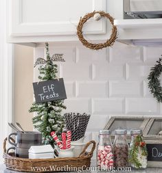 Christmas Signs | Kitchen Christmas Ideas For a Celebration-Ready Home Christmas Love, Country Christmas, Winter Christmas, Christmas Ideas, Christmas Photos, Christmas Houses, Christmas Signs, Japanese Christmas, Christmas Cactus