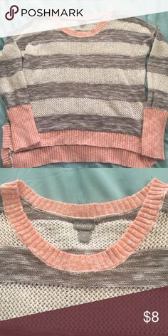 Vanity Sweater This a cute light weight sweater. In good condition. Normal wear with no holes or stains! Vanity Sweaters Crew & Scoop Necks