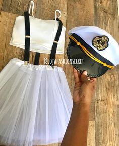 Pin on Carnaval Creative College Halloween Costumes, Cute Group Halloween Costumes, Halloween Kostüm, Halloween Outfits, Cool Costumes, Sailor Costumes, La Girl, Halloween Disfraces, Creations
