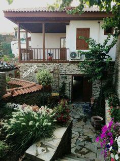 Tarihi Anadolu Evleri Birgi Ödemiş İZMİR35 #eBs1903 #ahşapevler #taşevler #konak #restoranyon #architecture #vintage #ege #birgiköyü #izmir