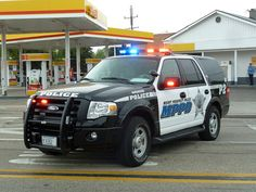 Ford Expedition Police Car ★。☆。JpM ENTERTAINMENT ☆。★。 Ford Mustang 1967, Car Ford, Ford Trucks, Ford Police, Police Patrol, Ford Expedition, Radios, Rescue Vehicles, Ford Vehicles