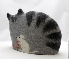 Купить Кошка с клубочком. Грелка на чайник. - серый, кошка, мышка, интерьер кухни