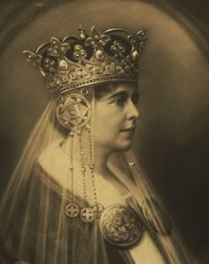 De ieri şi de azi: Destinul unei regine: Regina Maria a României Christian Ix, Other Countries, Kaiser, Queen Victoria, Marie, Princess Zelda, Descendants, Queens, Beauty