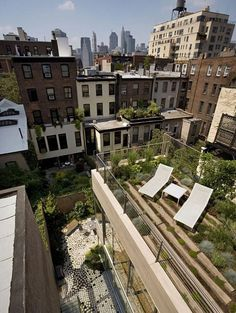 Brooklyn Brownstone by 1100 Architect Brooklyn Brownstone, Brownstone Interiors, Interior Exterior, Interior Design, Living Roofs, Pergola Attached To House, Sky Garden, Rooftop Terrace, House Roof