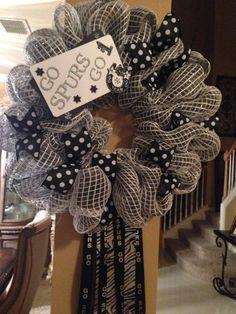 Spurs Wreath $85