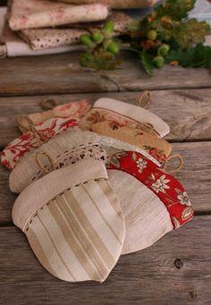 Acorn Mug Rugs • email to get free pattern