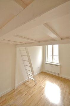 bild 27 hochbett hochetage in wei mit individuellem gel nder zzzzz pinterest. Black Bedroom Furniture Sets. Home Design Ideas