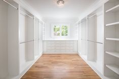 dream closets Are you looking for master walk-in closet design ideas? Ive rounded up seven stunning (yet simple and doable) inspiration closets for you. Master Closet Layout, Master Closet Design, Walk In Closet Design, Master Bedroom Closet, Closet Designs, Master Suite Layout, Closet Rooms, Diy Walk In Closet, Closet Redo
