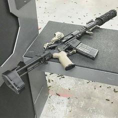 Airsoft Guns, Weapons Guns, Guns And Ammo, Tactical Guns, Zombie Weapons, Tactical Survival, Armas Sig Sauer, Ar Pistol Build, Battle Rifle