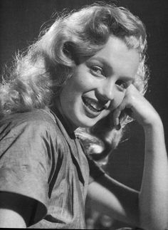 Marilyn Monroe by John Ahlhauser 1949 Young Marilyn Monroe, Marilyn Monroe Movies, Norma Jean Marilyn Monroe, Marilyn Monroe Photos, Hollywood Stars, Old Hollywood, Milwaukee, Actor Studio, Norma Jeane