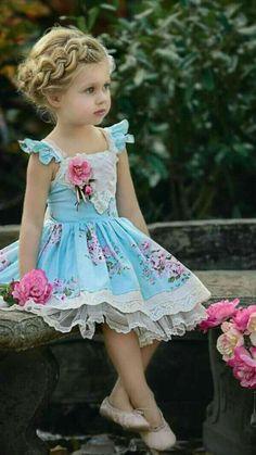 Beautiful Little Girl, love her Hair Doo ♥