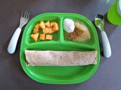 You supermom feeding our flamingos healthy dinner for one, easy meals for o Healthy Toddler Meals, Healthy Meals For One, Kids Meals, Healthy Snacks, Toddler Food, Old Recipes, Baby Food Recipes, Snack Recipes, 1 Year Old Meals