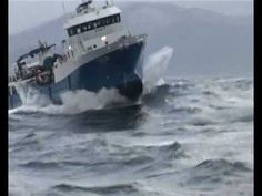 Angry sea - The Perfect storm in reality - YouTube