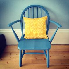 Little project at home. A vintage Ercol chair I restored and painted in Mini Moderns paint. Accompanied by a vintage Peter Hall for Heals cushion.