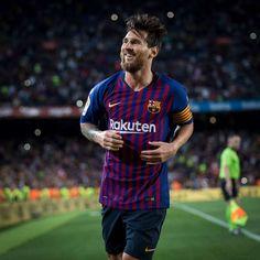 Месси забил 50 мячей в 2018 году   Футбол   XSPORT.ua Messi 10, Lionel Messi, Football S, Super Sport, Fifa, Leo, Soccer, Baseball Cards, Sports