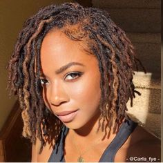 Great article on basic maintence of locs. Kari William shares the how to shampoo locs and moisturize. Short Locs Hairstyles, Short Dreads, My Hairstyle, Blonde Dreadlocks, Faux Dreads, Dreads Girl, Curly Hair Styles, Natural Hair Styles, Dreads Styles For Women