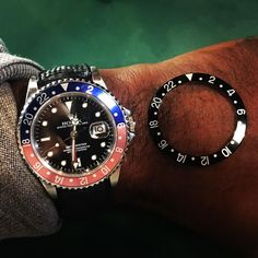 Fun Pepsi or Classic Black ? #16700 #gmtmaster  #rolex #thewatchobserver #vintagewatches #instagood