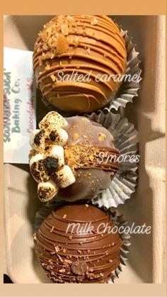 Hot Chocolate Gifts, Christmas Hot Chocolate, Chocolate Spoons, Homemade Hot Chocolate, Hot Chocolate Bars, Hot Chocolate Mix, Hot Chocolate Recipes, Chocolate Treats, Cocoa Recipes