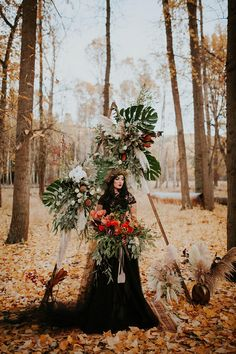 Moody Autumn Vow Renewal With An Off-Beat Ceremony Backdrop ⋆ Ruffled Boho Beach Wedding, Dream Wedding, Samhain, Gothic Wedding, Witch Wedding, Medieval Wedding, Geek Wedding, Wedding Shit, Lesbian Wedding