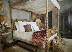 Old world, romantic bedroom. Image via The Gilded Cherub, image uncredited