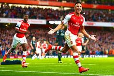 SOCCER-GALLERY: SANCHEZ LATE PENALTY RESCUES 10-MAN GUNNERS.