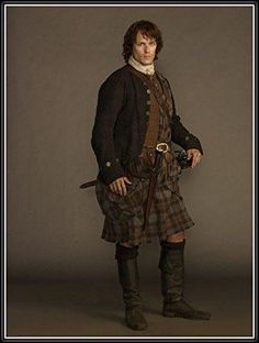 Scottish kilt costumes for men are popular, thanks to the Starz television series, Outlander. If you enjoy cosplay, Scottish kilt costumes for men are perfect. Outlander Casting, Outlander Tv Series, Starz Outlander, Outlander Wedding, The Gathering, Tartan, Terry Dresbach, Scottish Warrior, Outlander Season 1