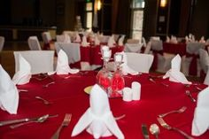 Romantic table settings for a wedding at Todd Creek Golf Club in Thornton, Colorado.