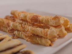 All Food and Drink: Cheese Straws recipe from Ree Drummond via Food Ne. dough recipe pioneer woman food network Cheese Straws recipe from Ree Drummond via Food Network Ree Drummond, Appetizers For Party, Appetizer Recipes, Party Snacks, Elegant Appetizers, Easter Appetizers, Holiday Snacks, Cheese Appetizers, Holiday Recipes
