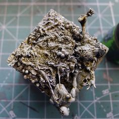 Excellent tutorial on creating some fleshing and gore effects. Nurgle-base-15