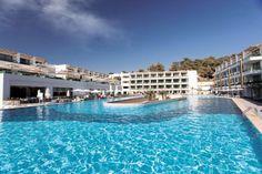Poolanlage beim Thor Luxury Hotel & Villas
