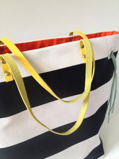 Stripes + Color Tote—nice but need a sewing machine to make it :/ #diy #leather