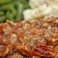 HONEY PECAN PORK CHOPS == 4 pork cutlets, tenderized, thick 4 T flour t salt t ground black pepper 1 T butter c honey c chopped pecans ============ Pork Chop Recipes, Meat Recipes, Cooking Recipes, Healthy Recipes, Chicken Recipes, Pork Cutlet Recipes, Cooking Gadgets, Chicken Soup, Vegetable Recipes