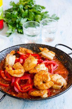 Creveti saganaki - Din secretele bucătăriei chinezești Kuching, Paella, Shrimp, Curry, Food And Drink, Meat, Ethnic Recipes, Cookies, Food